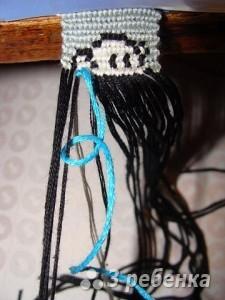 по два узелка в каждом узле фенечки